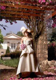 Anuário Noivas - Revista Caras  Bouquet por Carla Toledo