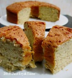 Just Try & Taste: Banana Chiffon Cake - Cake Sifon Pisang Pastry Recipes, Cake Recipes, Dessert Recipes, Bolu Cake, Sponge Cake Roll, Banana Bread Cake, Indonesian Desserts, Cotton Cake, Resep Cake