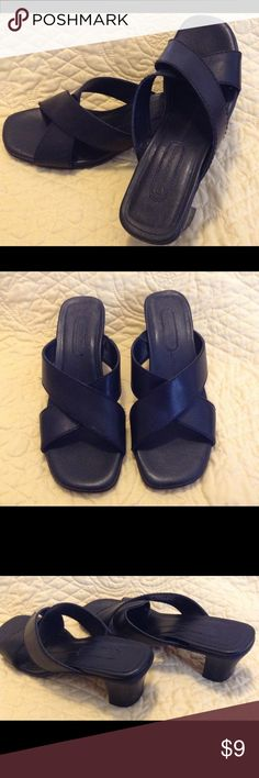 """Women's Rockport Leather Slide Sandal Size 6 1/2 M Very comfortable slide sandal from Rockport. These shoes are women's size 6 1/2 medium and are black. 2"""" heel. There is a few pin holes up near the foot pad near the top. Used condition. Rockport Shoes Sandals"""