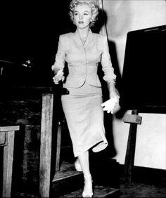 """""""Marilyn Monroe in court, 1952. """""""