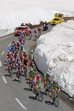 Giro d'Italia 2010 Stage 20 Passo Forcola Di Livigno https://www.uksportsoutdoors.com/product/coleman-fastpitch-air-valdes-inflatable-tent/