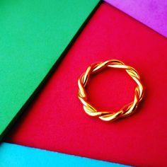 anillo entorchado bañado en oro  #jewelry #handmade #venezuela #caracas #joyeria #artesanal #handmadejewelry #talentovenezolano #venezolano #hechoenvenezuela #ventaonline #buyjewelry #buy #craft #artesanal #accesorio #moda #ring #anillo #aro #entorchado