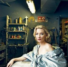 Cate Blanchett by Annie Leibovitz (1949 oct2, 63 in 2012) U.S. portrait photographer; Romanian dad, Estonian Jewish mom, is American. took 1st photos in Philippines during Vietnam...launched career at Rolling Stone mag 1970 till 1983. shame as indebted by $24M!