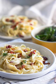 This creamy pear and mascarpone pasta get its kick from pear tossed in mascarpone cheese and crispy prosciutto. Ready on the table in 15 minutes and it's perfect for a quick weeknight recipe. Seafood Pasta Recipes, Best Pasta Recipes, Best Dinner Recipes, Entree Recipes, Real Food Recipes, Cooking Recipes, Healthy Recipes, Rice Recipes, Noodle Recipes
