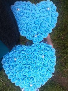 #virágfalu #habrózsa #polifoam #rózsabox #rózsadoboz #kékrózsa #szív #anyáknapi #babakék #szülinapi #rosebox #foamrose #heart #pearls #habrózsadoboz Love Box, Presents, Flowers, Pink, Blue, Gifts, Favors, Royal Icing Flowers, Pink Hair