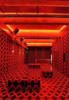 red Club in Brazil Architecture Restaurant, Interior Architecture, Interior And Exterior, Casa Petra, Retro Interior Design, Red Aesthetic, Aesthetic Vintage, Red Rooms, Vintage Interiors