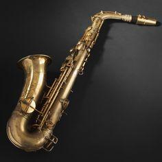 Cohn. Saxophone alto, Diapason A/440, Low pitch    Prix de départ  400 €