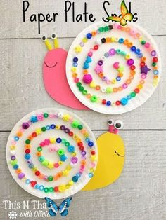 Paper Plate Snails Craft for Kids - This N That with Olivia Küçük ponponlarla olabilir<br> This craft is super easy and adorbale! Perfect for a rainy day, or a family day. Grab some supplies at home and make this colorful craft. Summer Crafts For Kids, Crafts For Kids To Make, Diy Crafts For Kids, Fun Crafts, Craft Ideas, Craft Projects, Kids Diy, Baby Crafts, Stick Crafts