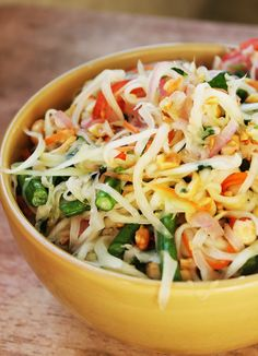 """Thai Green Papaya Salad (Som Tum) Omit fish sauce replace with soya sauce or """"vegan"""" fish sauce, for vegan version. This is the most authentic version on Pinterest."""