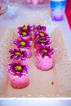 Mini cakes from Pretty Princess Cinderella Birthday Party at Kara's Party Ideas. 4th Birthday Parties, Kid Parties, Birthday Stuff, Happy Birthday, Party Treats, Party Cakes, Mini Cakes, Cupcake Cakes, Cupcakes