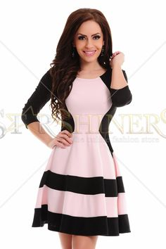 Rochie StarShinerS Magnified Black. Rochie scurta StarShiners in clos, cu maneci 3/4. Alege din colectia Rochii dama 2015! Lungime: 70 cm de la subrat pana jos.