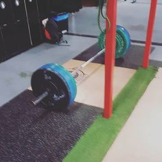 In the first leg of the 4 Legs Fitness concept we describe resistance training and how to create an effective training regime. Weightlifting, Powerlifting, Cardio Fitness, Bones And Muscles, Nutrition Diet, Muscle Groups, Muscle Mass, Book Pages, Physical Activities
