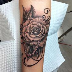 Small Matching Rib Tattoo Ideas for Women – Rocker Hand Side Boob Tatouage for - Best Tattoos Girly Tattoos, Pretty Tattoos, Rose Tattoos, Beautiful Tattoos, Body Art Tattoos, Sleeve Tattoos, Tatoos, Simbolos Tattoo, Tigh Tattoo