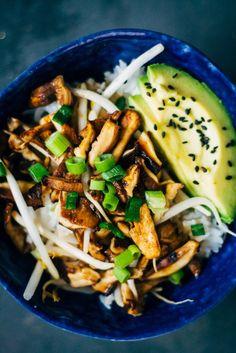 Shiitake Donburi // shiitake mushrooms, sesame oil, soy sauce, mirin, maple syrup, sushi rice, avocados, bean sprouts, sesame seeds, spring onions