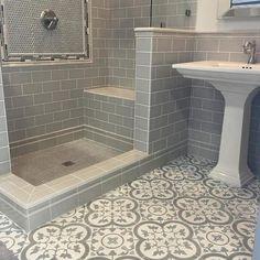 best bathroom flooring ideas on mosaic tile floor x m tile ideas Subway Tile Showers, Small Bathroom, Moroccan Bathroom, Amazing Bathrooms, Bathrooms Remodel, Bathroom Makeover, Mosaic Tile Bathroom Floor, Best Bathroom Flooring, Beautiful Tile Bathroom