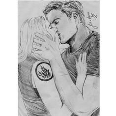 Wow that's a good drawing of tris and tobias