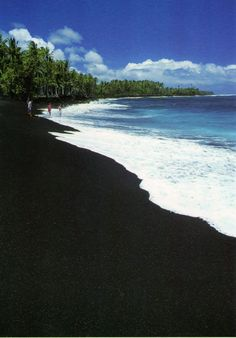 black sand beach hawaii-- I've actually been here! it's really cool, the sand is made of lava rocks that are really smooth! I'd love to go back to Hawaii now that im older! Hawaii Vacation, Hawaii Travel, Dream Vacations, Vacation Spots, Maui Hawaii, Hawaii Usa, Beach Travel, Black Sand Beach Hawaii, Places To Travel