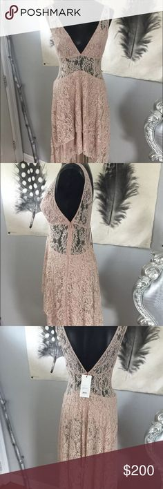 The Jetset Diaries Resort Hi low maxi dress Absolutely stunning resort hi low maxi dress from The Jetset Diaries, NWT, size large, color is nude The Jetset Diaries Dresses High Low