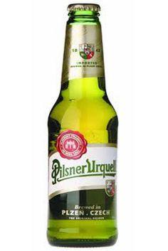 """La marca de cerveza Pilsner Urquell cumple 169 años, esta marca creo la primera cerveza rubia de la historia, el resto de las cervezas rubias nacieron de su receta original. La marca cervecera Pilsner Urquell la creo un 10 de noviembre de 1842, en la ciudad de Pilsen, la actual República Checa. Años más tarde la categoría Pilse, Pilsner. acompañaría como apellido a numerosas marcas, por lo que Pilsner añadiría en 1898 a su cerveza la palabra """"Urquell"""", que significa """"de la fuente original""""."""