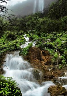 #OmanInPictures‬ | Waterfall Salalah. credit: Rinaz Bin Aziz. see on Fb https://www.facebook.com/SinbadsOmanPocketGuide #Oman #waterfall #TravelToOman #MyOMAN #Sinbad #Travel