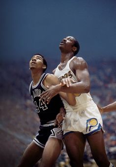 George McGinnis and George Gervin I Love Basketball, Basketball Pictures, Basketball Legends, Indiana Basketball, College Basketball, Sports Images, Sports Photos, Basketball Uniforms, Basketball Players
