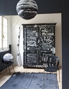 Closet (Combitex) painted by graphic designer Lisette de Zoete (Studio Lisette de Zoete)