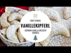 christmas cookies traditional Weihnachtspltzchen Vanillekipferl (Vanilla Crescent Cookies) are traditional German Christmas Cookies made with ground nuts! They are tender, nutty and melt in your mouth. German Christmas Cookies, German Cookies, Xmas Cookies, Christmas Desserts, Christmas Baking, German Biscuits, German Desserts, German Recipes, Deserts