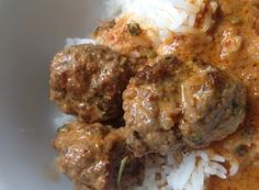 This recipe for Thai Meatballs in Red Curry is a simple, yummy dish to introduce Thai flavors. I love to make this Thai dish when we are entertaining. It's also a simple weeknight meal that can be easily reheated throughout the week. Curry Recipes, Thai Recipes, Asian Recipes, Beef Recipes, Cooking Recipes, Thai Cooking, Gourmet Cooking, Asian Cooking, Thai Dishes