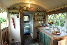 46 Trendy Ideas Garden Shed Interiors Shepherds Hut Gypsy Wagon Interior, Camper Interior, Gypsy Caravan Interiors, Tyni House, Tiny House Living, Garden Shed Interiors, Shepherds Hut, Tiny Spaces, Glamping