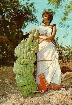 Somali woman holding bananas...