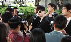 Drama 'W' share more hot pictures of Lee Jong Suk on set | http://www.allkpop.com/article/2016/06/drama-w-share-more-hot-pictures-of-lee-jong-suk-on-set #leejongsuk