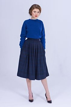 Beatrice skirt Silhouette Tea-length pleated skirt with side pockets. The skirt is lined. Fabric: wool, poly (Italy) viscose lining (Italy) Sizes: S. Wool Skirts, Plaid Skirts, Pleated Skirt Pattern, Skirt Pleated, Midi Skirts, A Line Skirt Outfits, 1950s Skirt, Italy Outfits, Winter Skirt Outfit