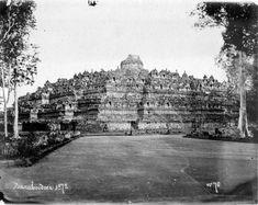 COLLECTIE TROPENMUSEUM De Boroboudour op Java TMnr 60050687 - Borobudur - Wikipedia, the free encyclopedia