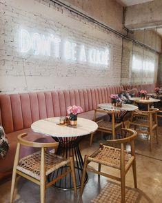 Banquette seating restaurant interiors brick walls Ideas for 2019 Bakery Interior, Restaurant Interior Design, Shop Interior Design, Cafe Design, Coffee Cafe Interior, Restaurant Interiors, Spa Design, Salon Design, Restaurant Vintage