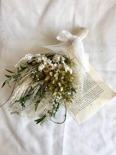 ドライフラワーのアンティークスワッグ ⑩ Dried Flower Bouquet, Dried Flowers, Wedding Pins, Wedding Flowers, Ikebana, Dried Flower Arrangements, Handmade Market, Dry Leaf, Flower Aesthetic