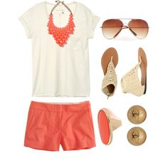 Such a great way to incorporate color into your outfits