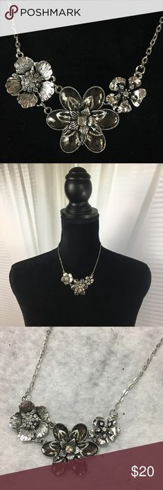 "Flower Necklace Pretty silver toned necklace with clear faux crystals. Very pretty piece! Chain is about 14"" plus a 3"" extender. New in package. Jewelry Necklaces"