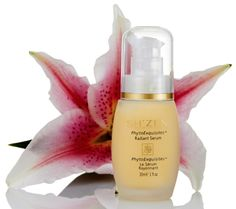 Turn back the hands of time with Sh'Zen's Radiant Serum, an anti-ageing essential!