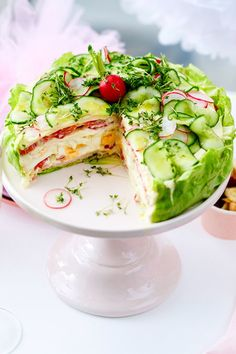 Salad varieties - the two best recipes for party and buffet - Partyrezepte - Pastel de Tortilla Salad Recipes, Snack Recipes, Party Recipes, Pecan Recipes, Pie Recipes, Salad Cake, Comida Keto, Healthy Snacks, Healthy Recipes