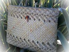 Whoops, the The Māori Art Hub marketplace no longer exists! Flax Weaving, Basket Weaving, Maori Designs, Woven Bags, Woven Baskets, Art Hub, Maori Art, Weaving Techniques, Kite
