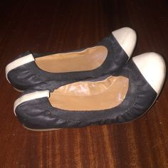 J crew black and white ballet flats size 8.5! Perfect pair of black and white flats a staple to add to your wardrobe! J. Crew Shoes Flats & Loafers