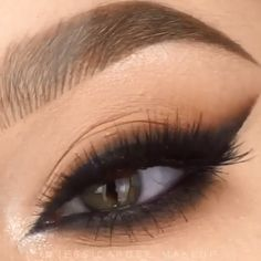 Stunning Smoky Eye Makeup Tutorial Stunning Smoky Eye Makeup Tutorial By: Related wunderschöne Augen Make-up Looks to Most Gorgeous Prom Makeup LooksTruques de maquiagem para afinar o nariz - 5 passos Makeup Eye Looks, Eye Makeup Tips, Smokey Eye Makeup, Eyebrow Makeup, Skin Makeup, Makeup Inspo, Eyeshadow Makeup, Makeup Art, Makeup Inspiration