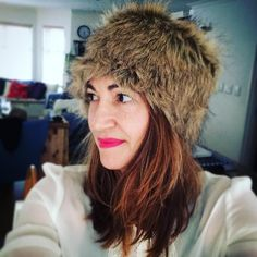The FREE sewing pattern and tutorial for this faux fur hat is on Greenie Dresses for Less.