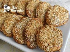 Tarsus Çöreği Tarifi Bizbayanlar.com #KabartmaTozu, #Pekmez, #Şeker, #SıvıYağ, #Su, #Susam, #Tahin, #Tereyağ, #Un, #Vanilya,#ÇörekTarifleri http://bizbayanlar.com/yemek-tarifleri/hamurisi-tarifleri/corek-tarifleri/tarsus-coregi-tarifi/