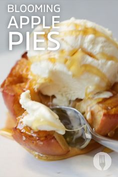 Apple pies (without the pastry) can be yours in just 30 minutes 🍏😍😜 Apple Tarts, Apple Pies, Blooming Apples, Whole Food Recipes, Healthy Recipes, French Desserts, Healthy Sides, Pastry Cake, Pastries