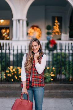Looking for what to do in Charleston this holiday season? Look no further. This is my list of holiday events and activities that make Charleston so special! Outfits Otoño, Plaid Outfits, Fall Outfits, Jean Outfits, Chic Winter Outfits, Holiday Outfits, Gal Meets Glam, Autumn Winter Fashion, Winter Style