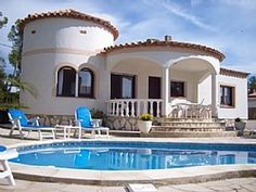 One+Week+Left+-+Spacious+Detached+Family+Holiday+Villa+with+Pool,+Aircon+&+WiFi+++Holiday Rental in Baix Ebre from @HomeAwayUK #holiday #rental #travel #homeaway Spanish Style, Home And Away, Family Holiday, Mansions, House Styles, Villas, Wifi, Spain, Amp