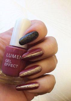 Blogger Funky & fifty wearing sophisticated shades of rosewood on her nails. Lumene Gel Effect Nail Polish shade 113. #nailpolish #lumene