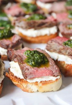 These heavenly beef tenderloin crostini with tangy goat cheese and pesto are a simple, yet deceptively impressive choice for entertaining. (Paleo For Beginners Snacks) Finger Food Appetizers, Yummy Appetizers, Appetizers For Party, Appetizer Recipes, Christmas Appetizers, Brunch Finger Foods, Summer Finger Foods, Steak Appetizers, Wedding Finger Foods