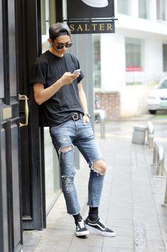 Sub park // park hyeongseob // ygk+ // korea models // korea Seoul Fashion, Asian Fashion, Street Fashion, India Fashion, Fashion Moda, Boy Fashion, Streetwear, Asian Street Style, Korean Street